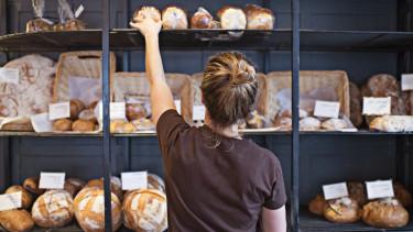 pékség kenyér bolt dolgozó