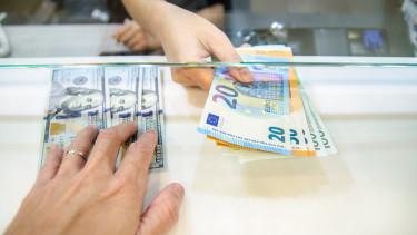 pénzváltó-bankjegy-budapest-mnb-hanifa