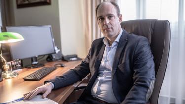 Perenyi Zsigmond ITM allamtitkar cimlap 1500