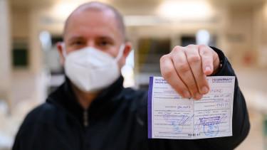 Pfizer-BioNTech koronavírus elleni vakcina második adagját igazoló oltási kártya igazolás okmány