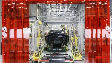 piros keret a német iparon; porsche előállítás