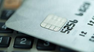 Pofonegyszerű módszerrel csapoltak meg egy bankszámlát, 116 milliót emeltek le