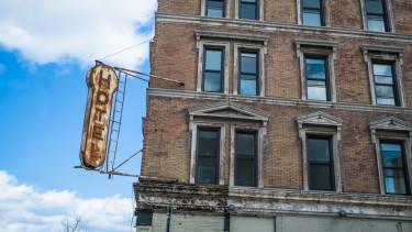régi bezárt hotel