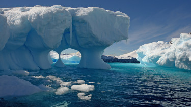 Rejtélyes módon fogy a déli sarki jég