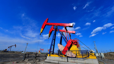 Rekordemelkedés után esik az olajár