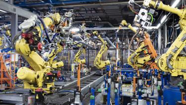 robot felfolgozóipar gyár autógyár