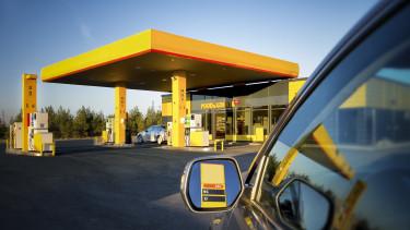 Rossz hírt kaptak az autósok, féléves csúcson az olaj ára