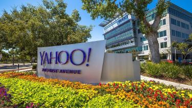 Sokba került az adatlopási botrány, lealkudták a Yahoo árát
