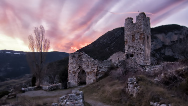 spanyol falu romok kastély
