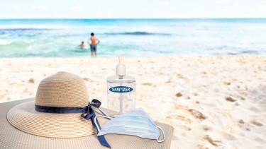 strand nyár koronavírus maszk kézfertőtlenítő