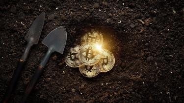 Szárnyalás után összeomlás - Kidurrant a bitcoin buborék és nagyot szólt (TOP 10 sztori - 9.)