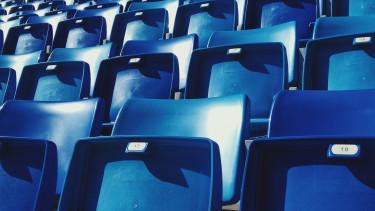 székek, stadion