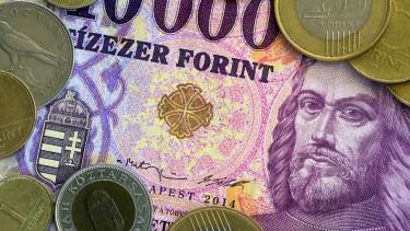 Szinte szárnyal tovább a forint - Besegített a dollár is