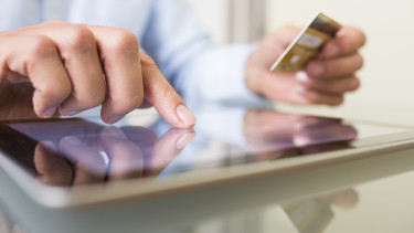 Szoktál online vásárolni? Akkor kellemetlenül fog érinteni a Brexit