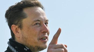Tesla humanoid robot Elon Musk2108201