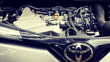 Több mint 1 millió hibridet hív vissza a Toyota
