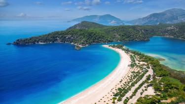törökország nyaralás utazás tengerpart getty stock