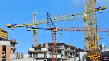 Tovább csúszhatnak az építkezések? - Bekeményített az egyik budai kerület