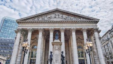Tőzsdére jönnek az alternatív bankok: nagy bukta vagy sikersztori lesz ebből?