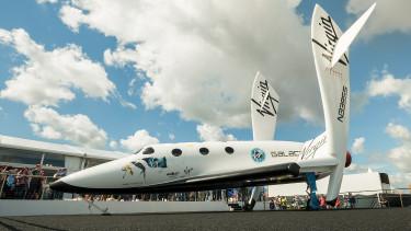 Tőzsdére viszi Richard Branson az űrhajós cégét