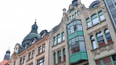 Tradicionális épület Németország üzleti negyedében