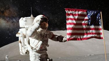 Trump embert küldene a Holdra és a Marsra