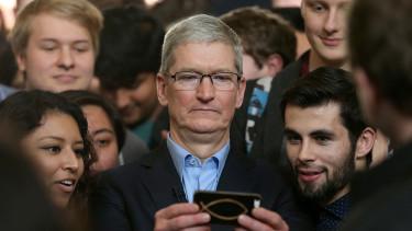 Tudod, hogy mennyit keres az Apple vezére?