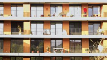 új lakás erkély