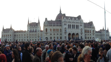 University directors call on Hungary's Orbán cabinet to withdraw 'lex CEU'