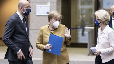 Ursula von der Leyen Angela Merkel Charles Michel 210609