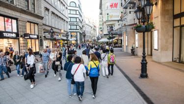 váci utca budapest Getty stock