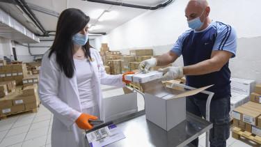 vakcina oltás oltóanyag astrazeneca pfizer
