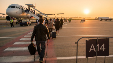 Van 150 ezer fiatal, aki külföldre költözne egy állásért