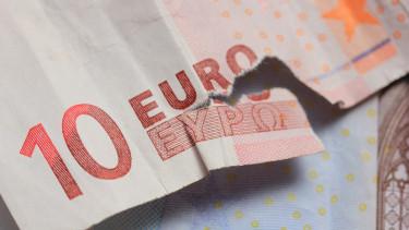 Váratlan fordulat: a készpénz mellé állt az EKB