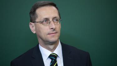 varga mihaly eu versenykepesseg novekedes magyar gazdasag