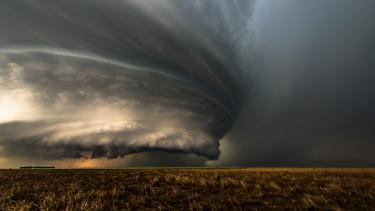 vihar sötét jóslat prognózis
