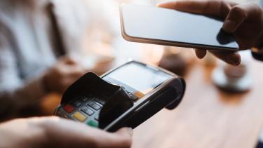 Villámgyorsan terjed a mobilfizetés Magyarországon