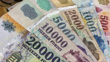 Visszaszédült a korábbi sávjába a forint