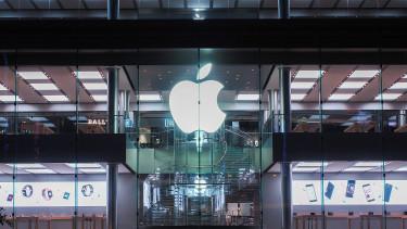 Visszavesz az Apple az iPhone-eladások gyengélkedése miatt