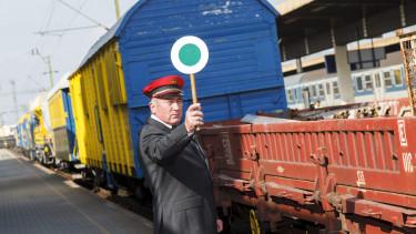 vonat vasutas mozdonyvezető
