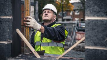 worker dolgozó termelés munkás építés