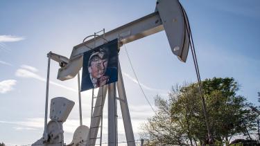 Zuhan az olaj - Trump hullámvasútra tette az árfolyamot
