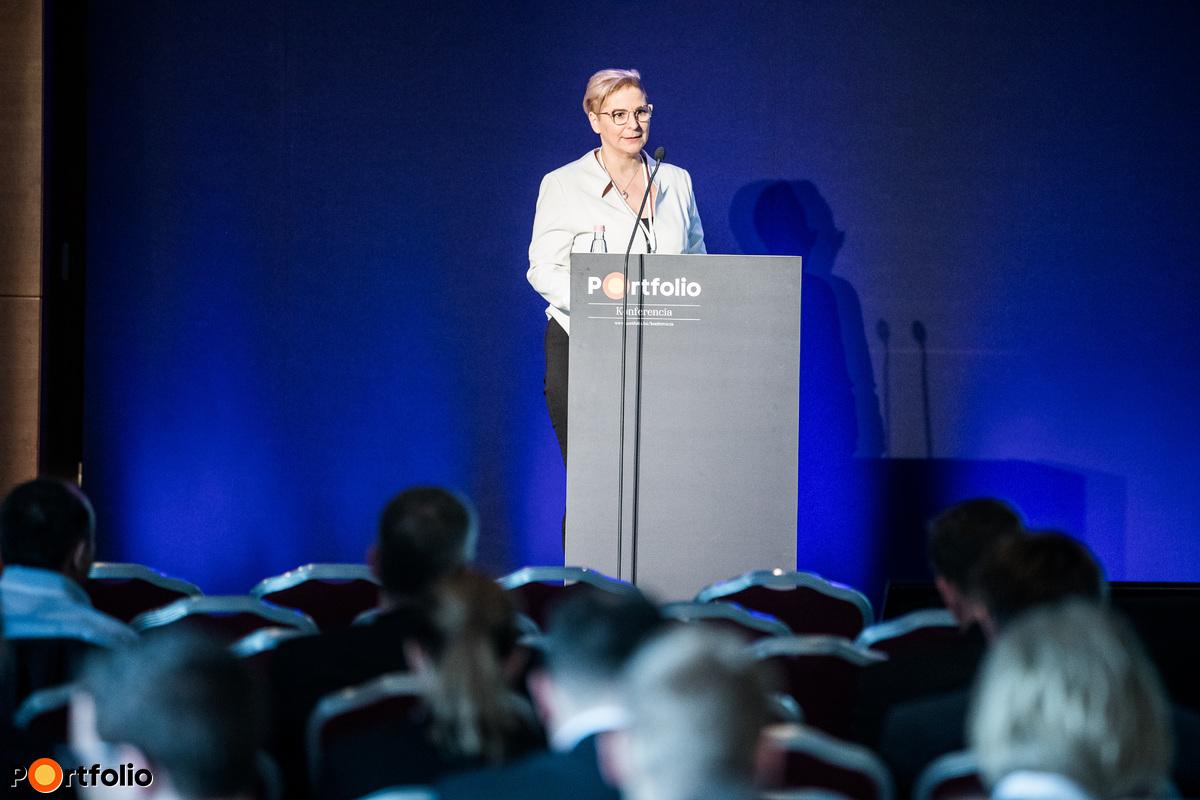 Dr. Csorbai Hajnalka (stratégiai igazgató, Opten Kft.): Üzleti adatbázisok technológiai kihívásai