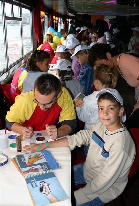 A testfestést minden gyerek élvezte.