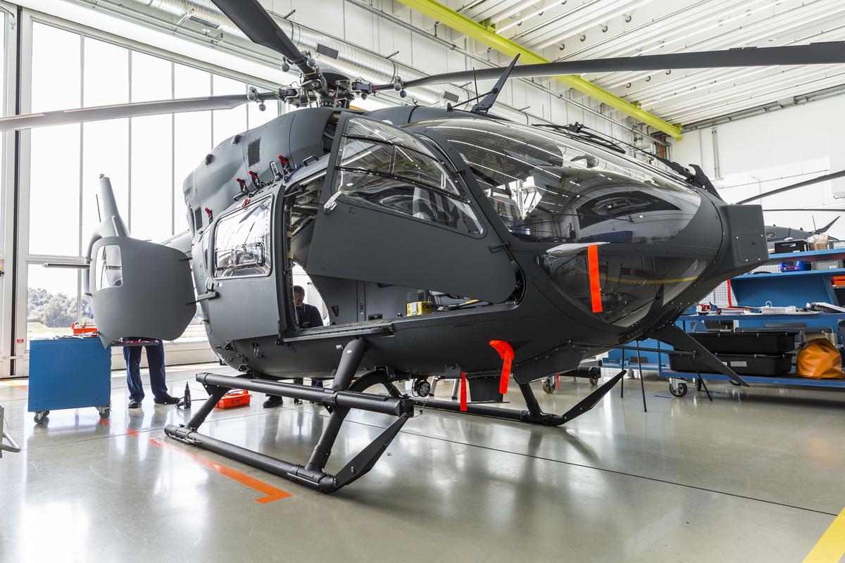 Egy másik, hamarosan a Honvédség kötelékébe kerülő H145M. Ez a gép már többnyire üzemképes. Fotó: Christian Keller, Airbus Helicopters