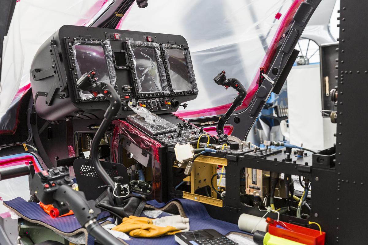 A H145M műszerfala. Még lesz vele dolga a szerelőknek. Fotó: Christian Keller, Airbus Helicopters
