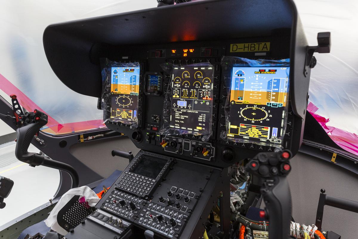 A H145M műszerfala, itt már működőképes állapotban. Fotó: Christian Keller, Airbus Helicopters