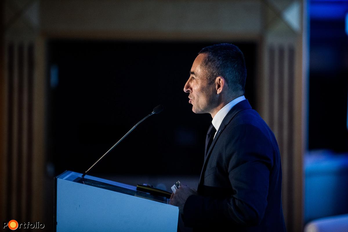 Köszöntő, megnyitó: Szentirmay Péter (elnök, Magyar Credit Management Szövetség)