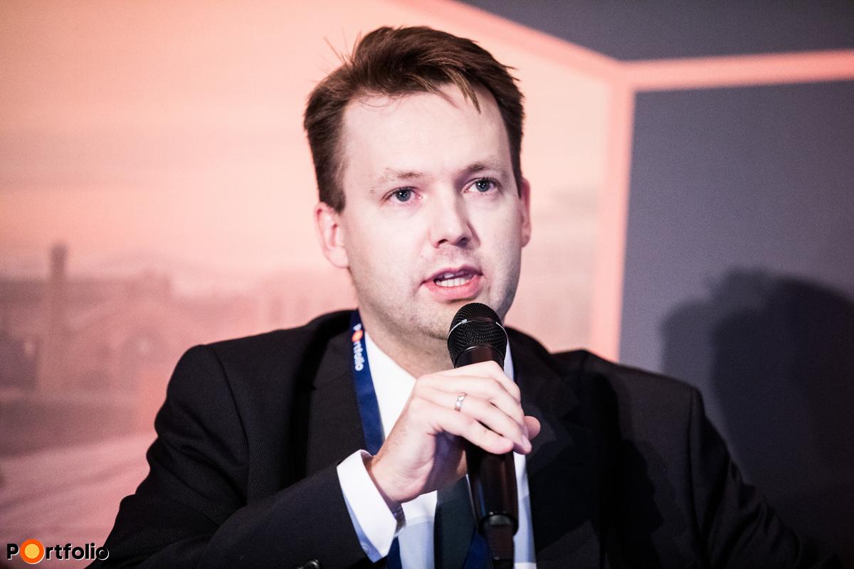 Mikesy Álmos, vezérigazgató-helyettes, Hiventures