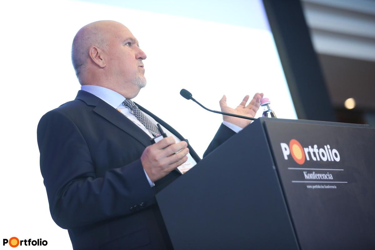 Dr. Varga Péter Pál, alapító-főigazgató, gerincsebész, Budai Egészségközpont